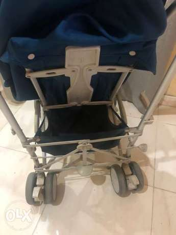 Giggles Porter - 3 Fold stroller with swivel wheels جدة -  4