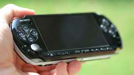 Psp x UK very clean chipped with 20 free memory card games and charger