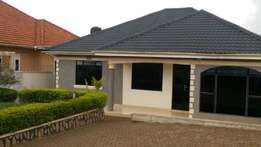 4 bedrooms bungalow for sale