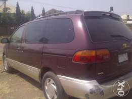 NEAT 1998 Toyota Sienna for SALE!