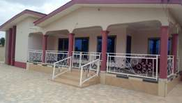 Exe newly built 5 bedrooms full house at Tech-Anwomanso.