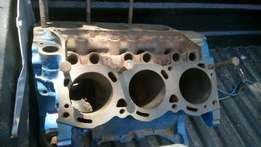 Ford Cortina 3.0 V6 30U engine blocks+ 6 conrods with 6 pistons!