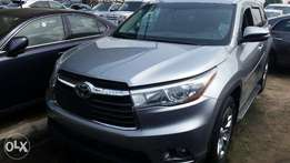 Tokunbo Toyota Highlander.2015, 3-Row Seat Full-Option, Very Excellent