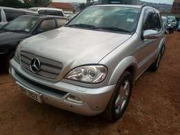 Mercedes Benz ML 320 silver color in excellent condition
