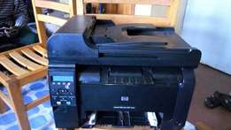 Printer HP leaser jet 100 colors m175a