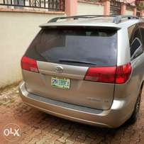 Still Available 2004 Sienna fabric Alloy, Power Stering,(Nigeria Use)