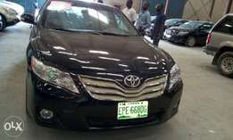Neatly used Toyota camry 2009
