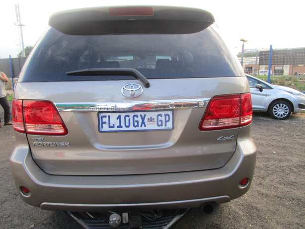 Toyota Fortune 3.0 D4D 2008 model with 5 doors Johannesburg - image 3
