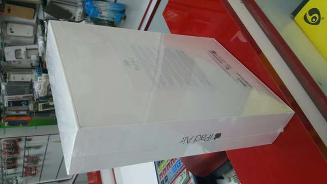 Ipad air 2, 128GB, Space Grey. Come visit our store Arcadia - image 2