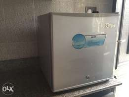 Used Midea Compact Refrigerator With Freezer