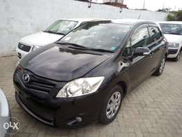 1500 cc KCN Toyota Auris black colour.