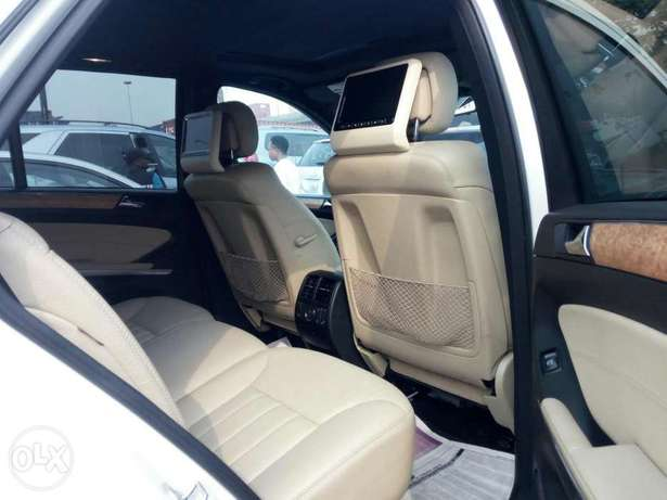 Very clean foreign used 2008 Mercedes-Benz Ml350 4matic. Negotiable Apapa - image 5