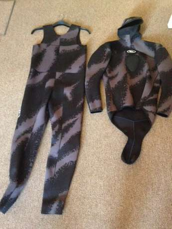 Diving Wetsuits and Free Diving/Spearfishing Fins Germiston - image 3
