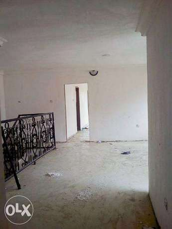 4bedroom semi detached duplex wit C of O and room bq for sale at lekki Lekki - image 3