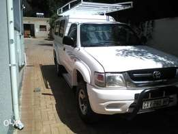 Toyota Hilux, 4x4 single cab, hi raider, 2004 model, Petrol