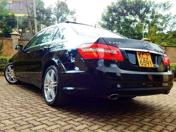 Superb Mercedes Benz E250 CGI BE Lavington - image 2