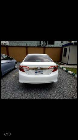 Clean Toyota Camry 2013 Lagos Mainland - image 2