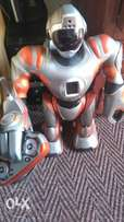 RS media wowwee remote controlled smart robot