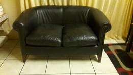 Leather Studded 2-Seater Tub Couch In Excellent Condition!!