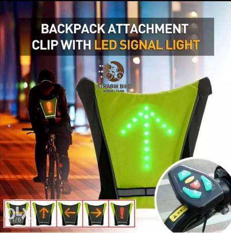 Backpack attachment clip with led signal light
