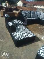 A black with flowers of white 9seater