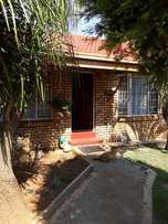 2 Bedroom Townhouse in Security Complex To Let - 1 June 2017