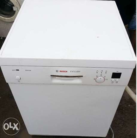 BOSCH Dish Washer (wash, rinse & Dry + payment on DELIVERY) Lagos Mainland - image 3