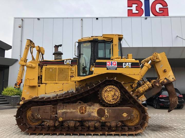 Caterpillar D8R Crawler Tractor - 2001