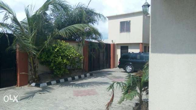 A lovely 5 bedroom duplex and 2 Nos 3 bedroom flat at Alpha Beach Lekki - image 5