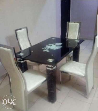 Dining table for 4setter Amuwo Odofin - image 1