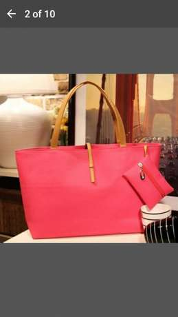 Shoulder bag for 500 and get a FREE gift Midrand - image 5