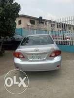 Exteremely Clean 2010 Toyota Corolla Up 4gRABS