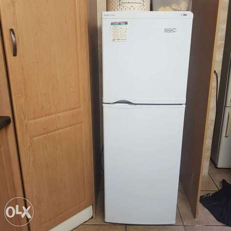 Fridge for sale still in excellent condition. Alberton - image 1