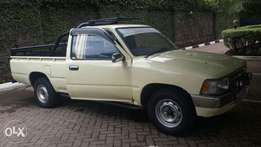 Extremely clean hilux yn85 petrol .privately used