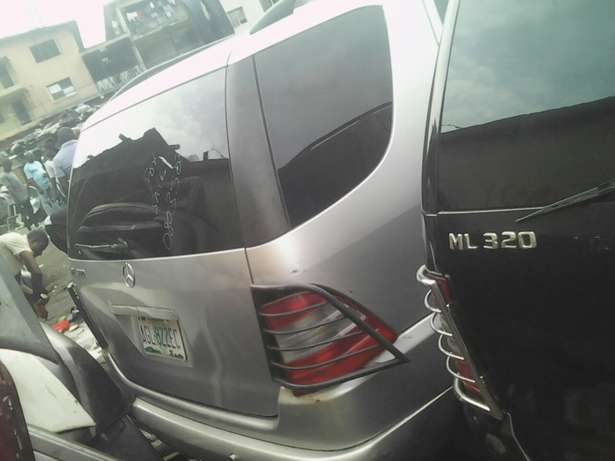 M Benz ML320 for sale Lagos Mainland - image 4