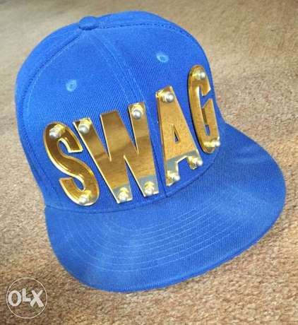 hat with swag mirrors