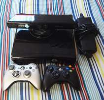 Xbox 360 slim with 2 wireless controllers, Kinect and 18 games