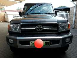 2011 Toyota Land Cruiser 4.2 diesel 60th Edition for sale!!