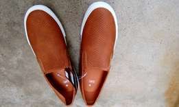 Unisex canvas shoes appropriate for the weather