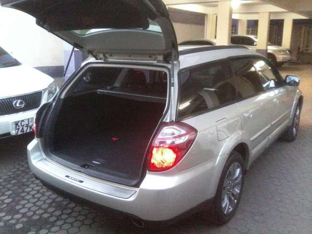 Subaru Outback. 2009. Locally unused. Hurlingham - image 2