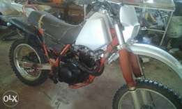 yamaha TT 600 running selling as is price is Neg