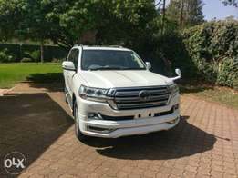 Toyota Land cruiser VX V8,2018,4500cc,petrol,sunroof,leather at 15.6m