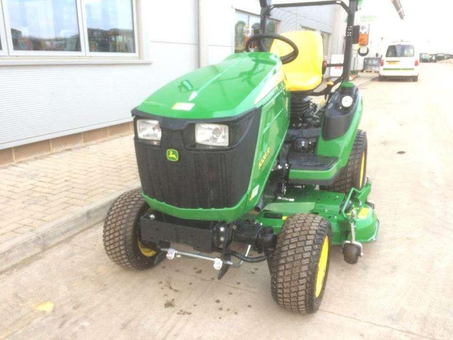 John Deere 1026r Sub Compact Tractor - image 2