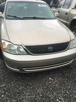 Very clean Toks Toyota Avalon 2002 model.leather seats 1.9m