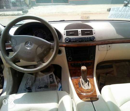 Benz E320/ toks sharp like a plane, nothing too fix on this baby Lagos Mainland - image 3