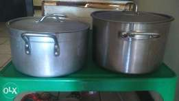 2 Catering pots