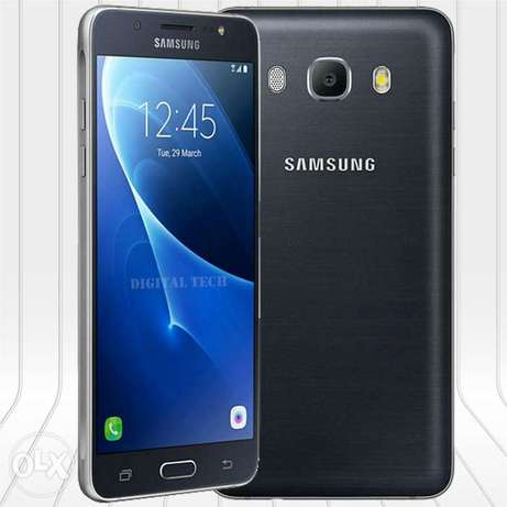 Samsung j5. Two weeks old. Very very new from the box. Quick sale. Nairobi CBD - image 1
