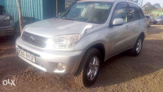 Toyota rav4 extremely clean in mint condition Ridgeways - image 1