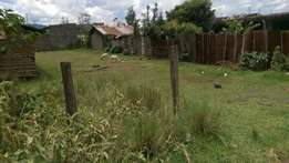 1/8 plot for sale 100mts from tarmac in Lanet .