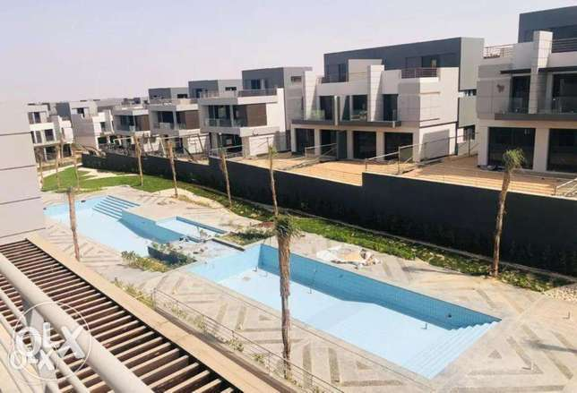 Town House Quadro 212 M2 with down payment in Patio El Zahraa